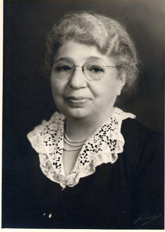 Nonni Lizzie