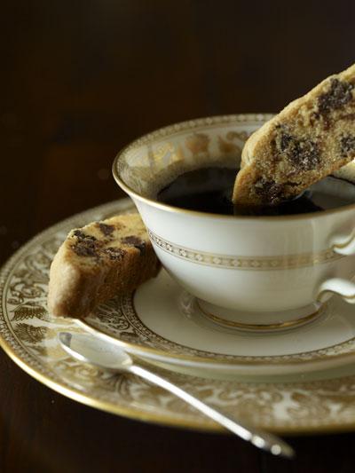 Aunt Irene's Cinnamon Chocolate Chip Mandelbrot